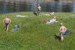 Frank Ward: Sunbathers, St Petersburg, Russia, 2008